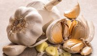 How much minced garlic is in a clove?